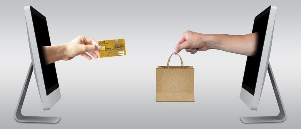 楽天やアマゾンなど、大手オンラインショッピングモールと直接提携する