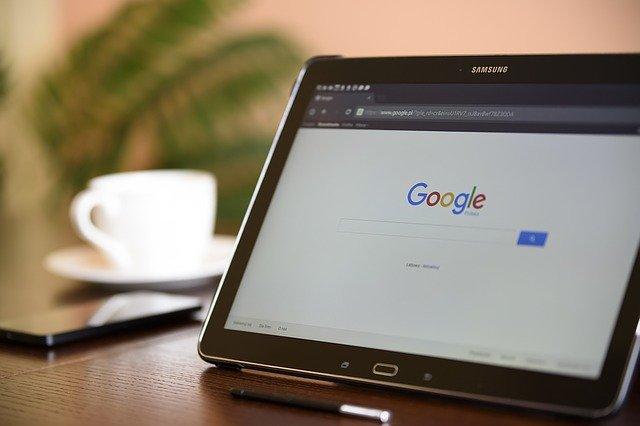 Googleの検索結果の競合の強さを確認する